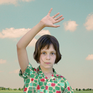 Loretta Lux - The Waving Girl